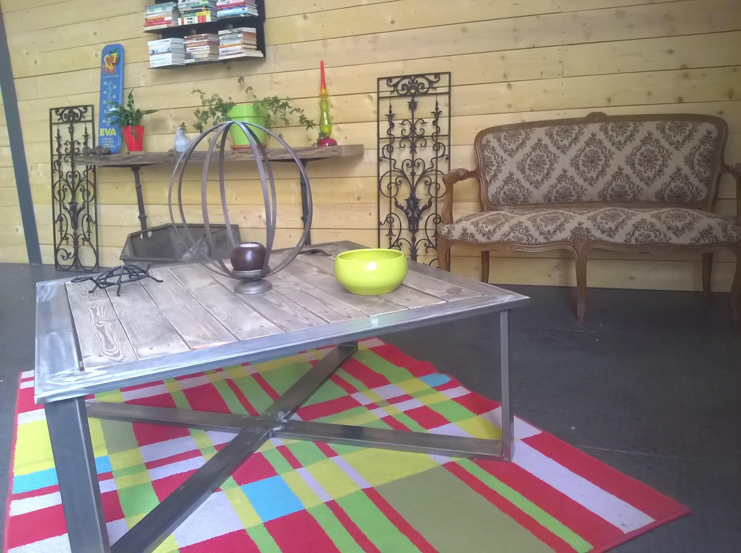 Table basse carré bois fer
