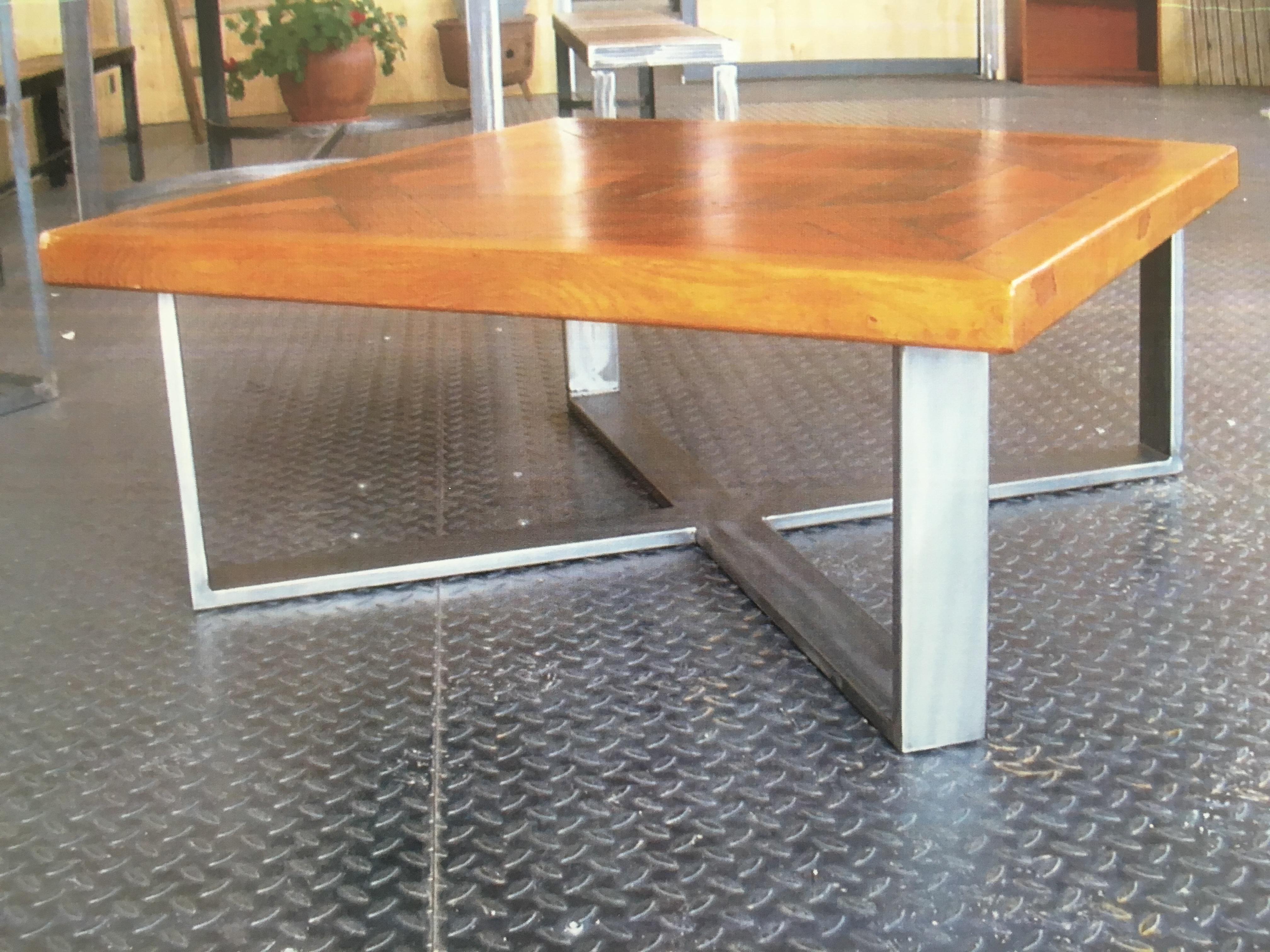 table basse carré bois clair